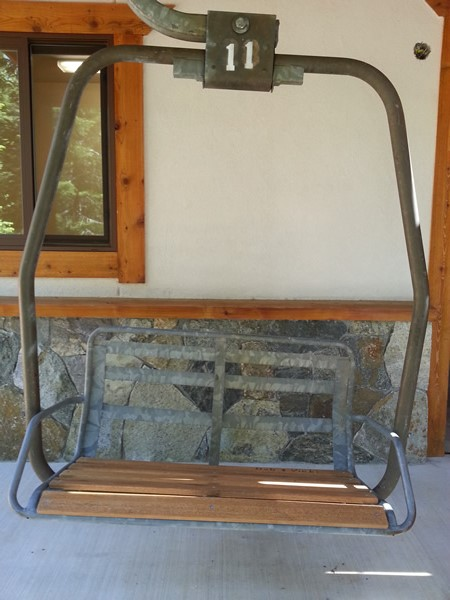 New seat on swing